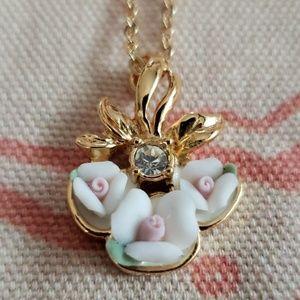 Vintage AVON Porcelain Rose Necklace (gold color)